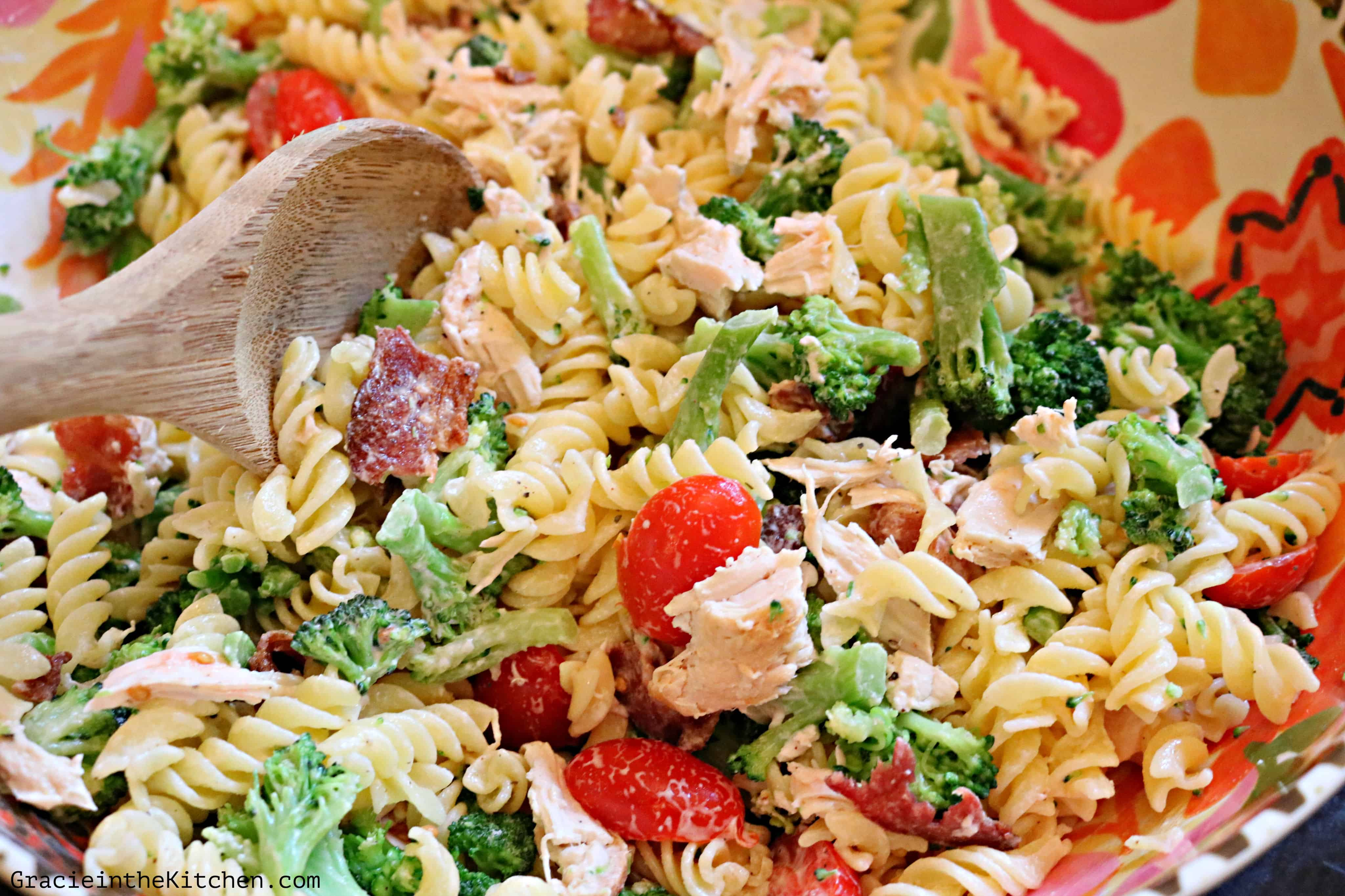 Chicken and Bacon Pasta Salad with Ranch- This easy recipe has amazing flavor!